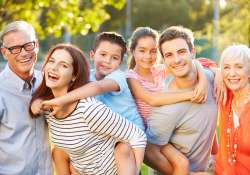 Gyermeküket egyedül nevelők, kétgyermekes családok és nagyszülők is pályázhatnak az új üdülési kiírásokra!