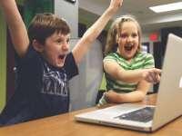 Számítógépre pályázhatnak a rászoruló családok gyermekei