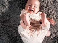 Több lesz a csecsemőgondozási díj, mint a fizetés